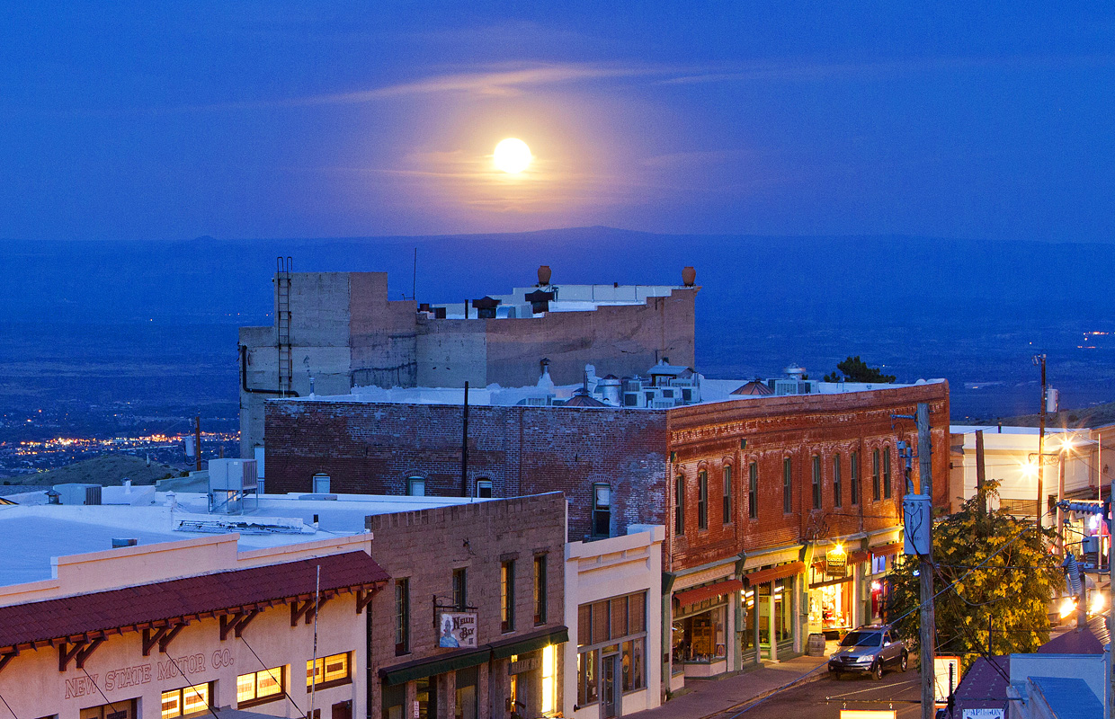 Super moonrise over the connor hotel jerome az